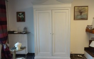 Relooking armoire patine grise